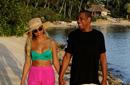 碧昂斯与Jay Z漫步海滩秀恩爱