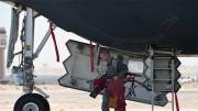 B2隐形轰炸机从这里进入驾驶舱
