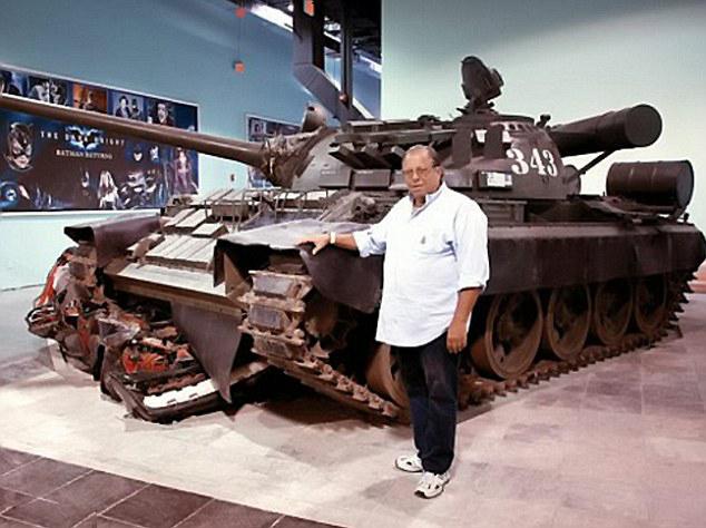 标志性汽车.迈克尔是世界上拥有最多的詹姆士•邦德汽高清图片