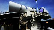 美海军领先中国即将部署世界首款舰载激光炮