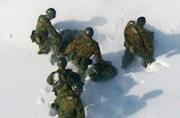 日本百年一遇大雪惊动了自卫队