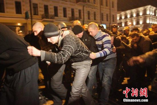 外媒曝乌克兰总统欲赴俄遭阻 两重要盟友已离境