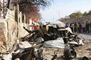 索马里总统府遭袭门口一片狼藉
