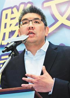 连胜文宣布参选 最新民调45%对39%超前柯文哲