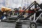 乌克兰抗议者造投石车对抗警察