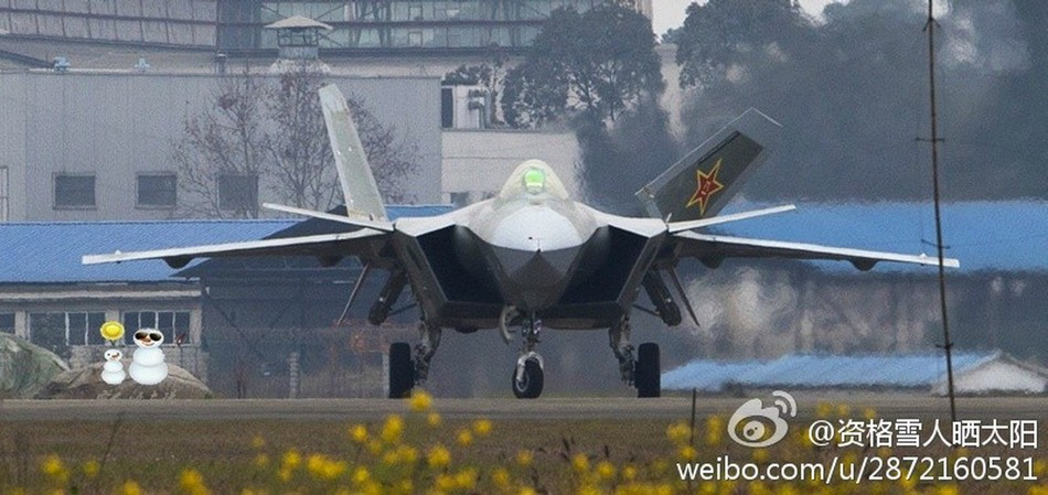 Más detalles del Chengdu J-20 - Página 13 20140226033526934