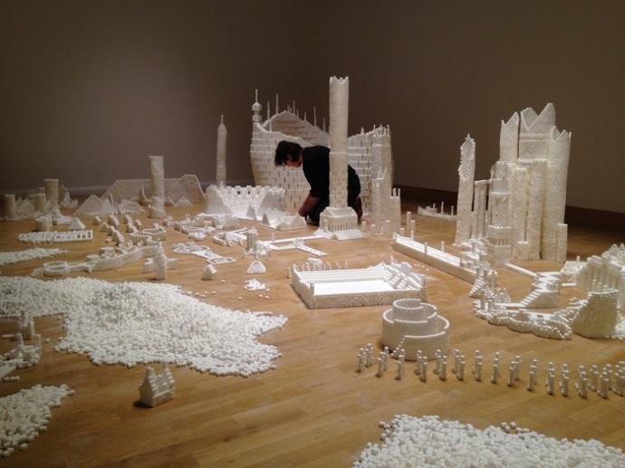 爱尔兰艺术家用50万块方糖搭建精美城堡艺术品