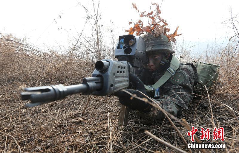 """韩国军官考试端出""""战略大枪"""""""