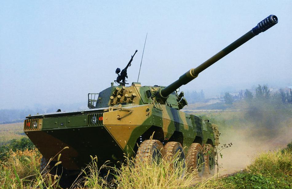 解放军换装新型轮式突击炮 专打周边主战坦克