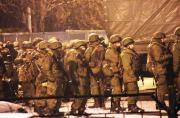 疑俄空降兵进驻乌克兰两个机场