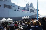 美国海军又一艘两栖巨舰服役