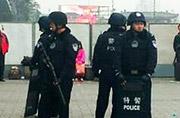 西安火车站特警全副武装巡逻