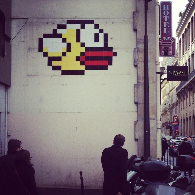 《Flappy Bird》超大幅涂鸦现身巴黎街头
