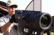 日本造战术探照灯让人亮瞎眼