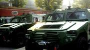 解放军多款轻型装甲车集体亮相 性能世界领先