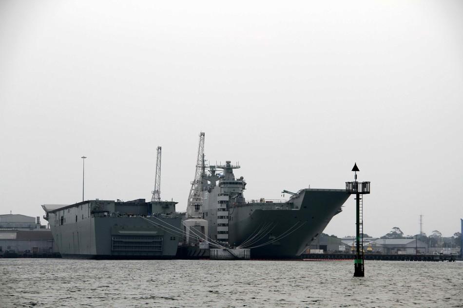 澳大利亚开着新买的航母出海了