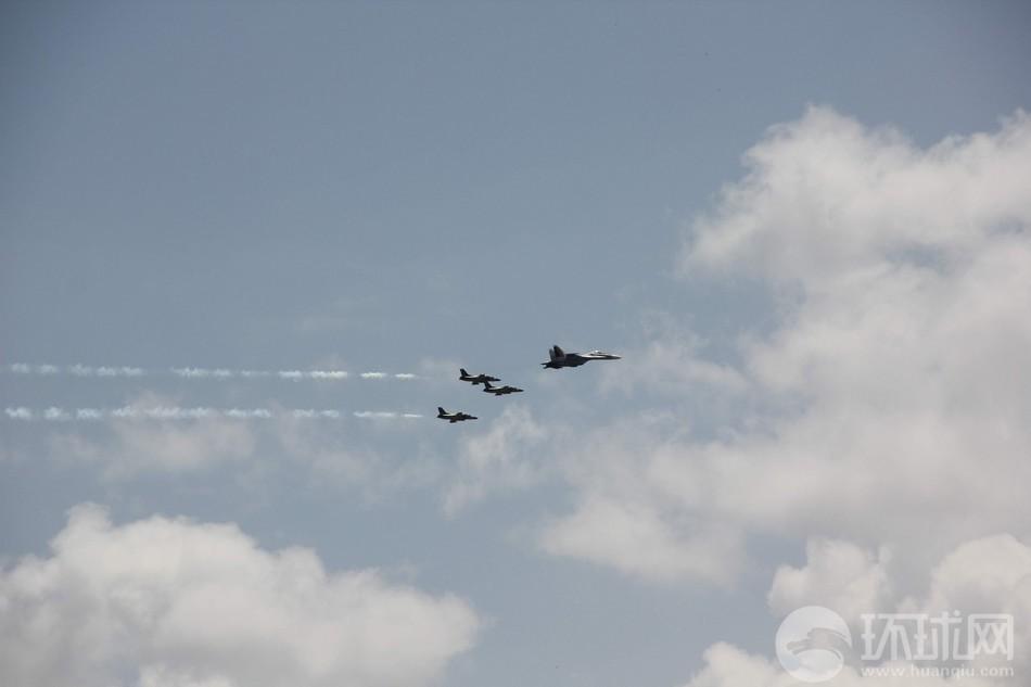 委内瑞拉首都上空中国战机轰鸣