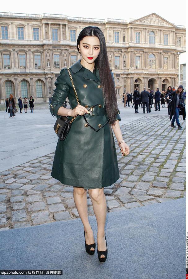 范冰冰3月5日巴黎时装周街拍图片