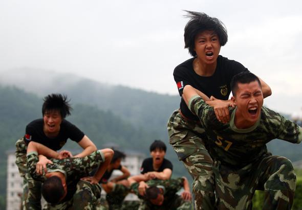 战兵 护士/三八妇女节特辑:中国女兵不再是文艺兵和护士(33/35)...