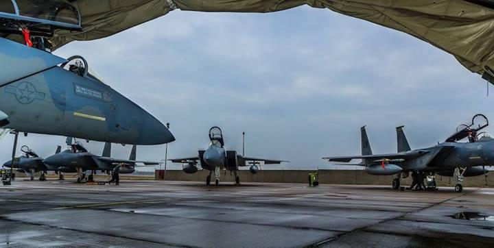 美军F-15机群现身俄邻国立陶宛
