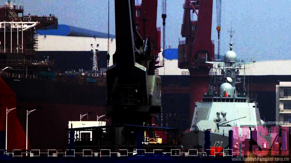 中国海军首艘052D型导弹驱逐舰将装备南海舰队