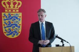 丹麦驻华大使:借法制规范善款使用很有必要
