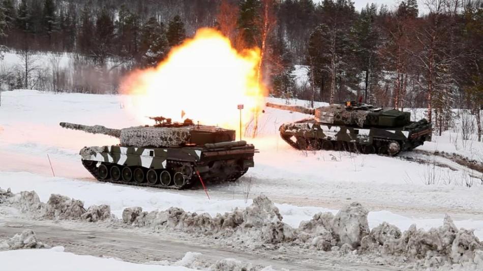 挪威陆军在北极上演坦克大战