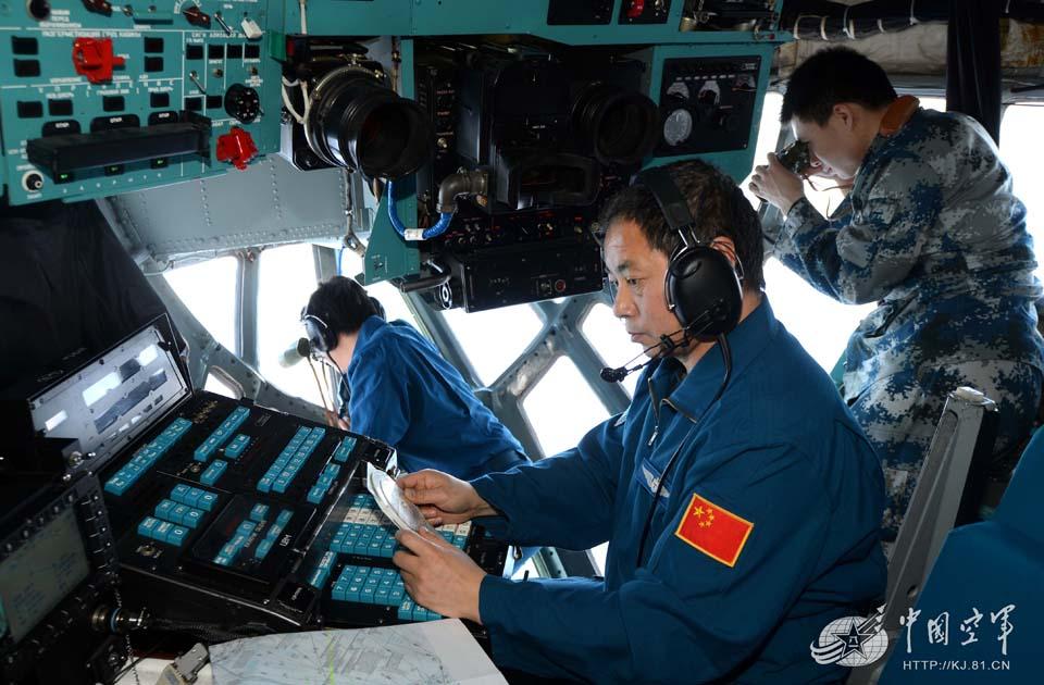中国空军地毯扫描飞机失联海域