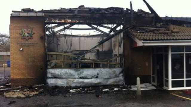 哭笑不得!英国一消防站因无火警装置被烧毁