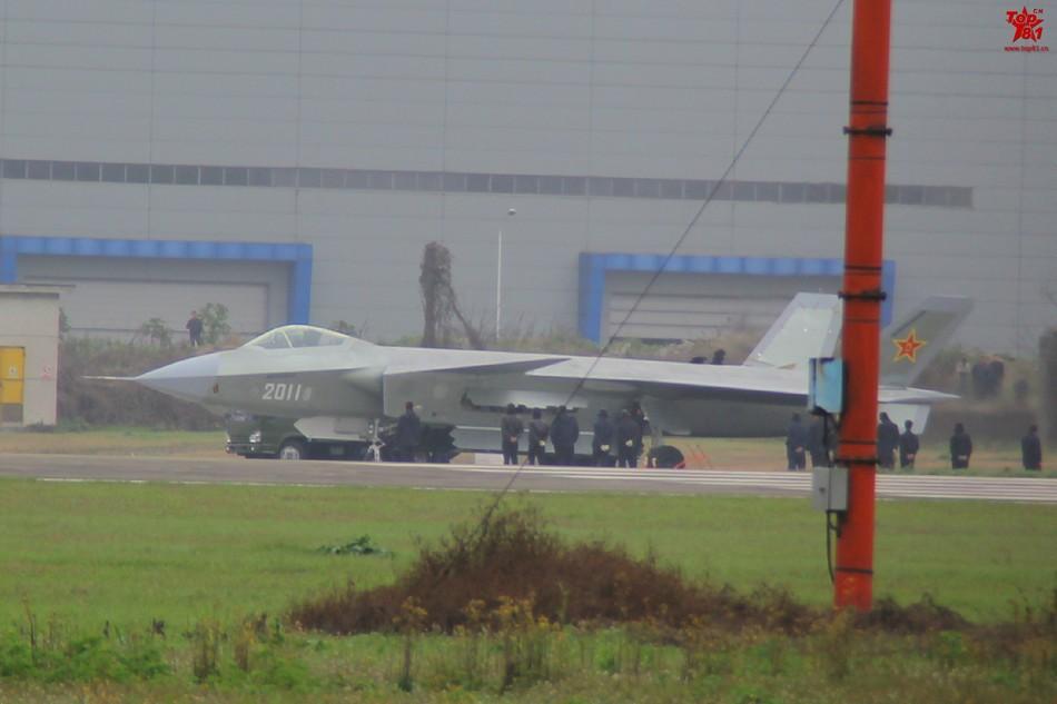 Más detalles del Chengdu J-20 - Página 14 20140317023131179