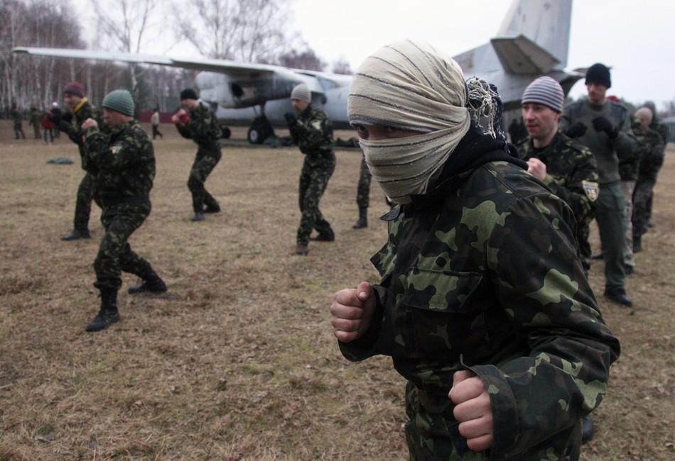 乌克兰招兵买马大肆扩军备战