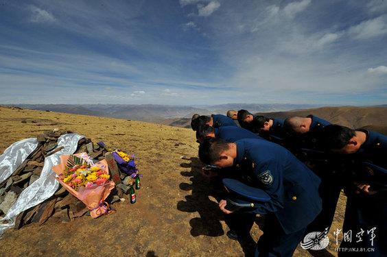 魂兮归来,甘巴拉:驻藏老兵31年后埋骨高原