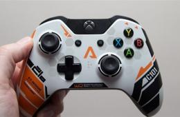 《泰坦陨落》主题Xbox One手柄开箱:设计惊艳