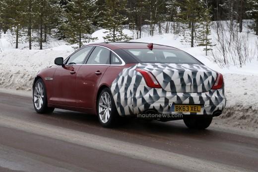 据悉,大多数汽车制造商通常在寒冷的北极圈测试新车,而此次捷豹选高清图片