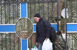乌克兰海军司令部易手 部分官兵脱下军装离去