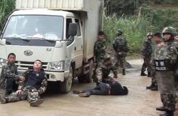 广西歹徒持枪对峙 被边防警察一枪击毙