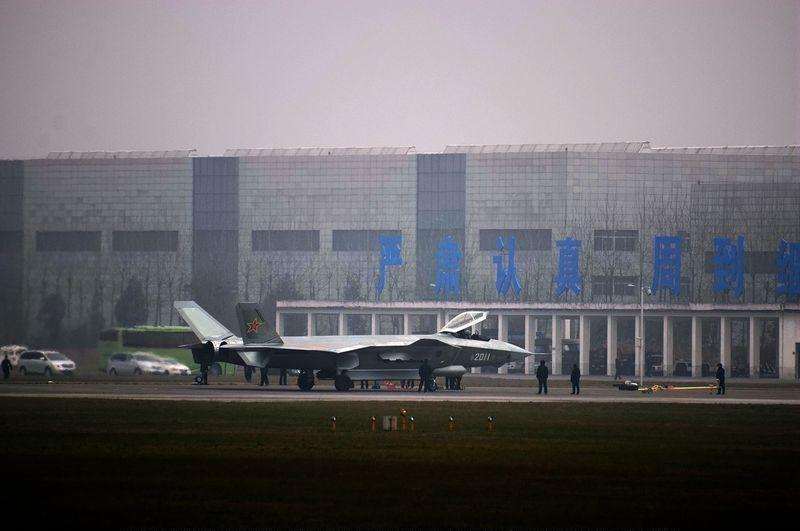 Más detalles del Chengdu J-20 - Página 14 20140324083832127