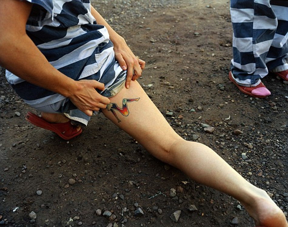 手铐脚镣 监狱图片