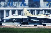 2011号歼-20弹舱全部开启猛图
