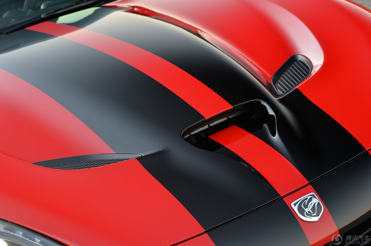 美式经典跑车道奇蝰蛇图赏 高清图片