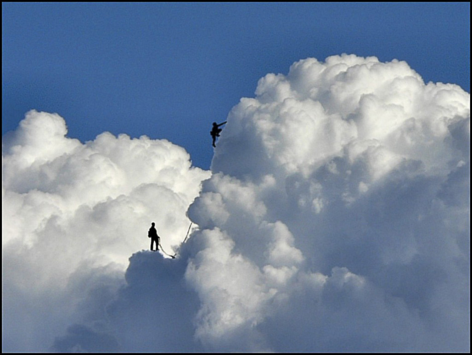 趣味创意摄影《在云上》