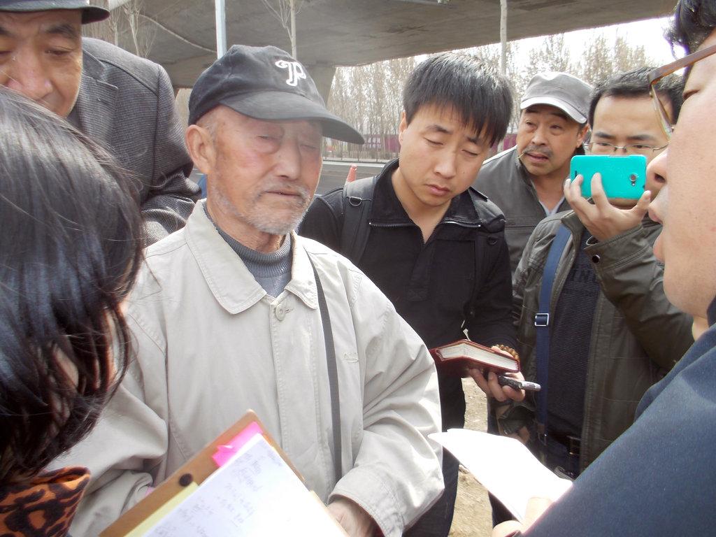 沈阳/2014年3月28日,437具中国人民志愿军烈士遗骸运抵沈阳...