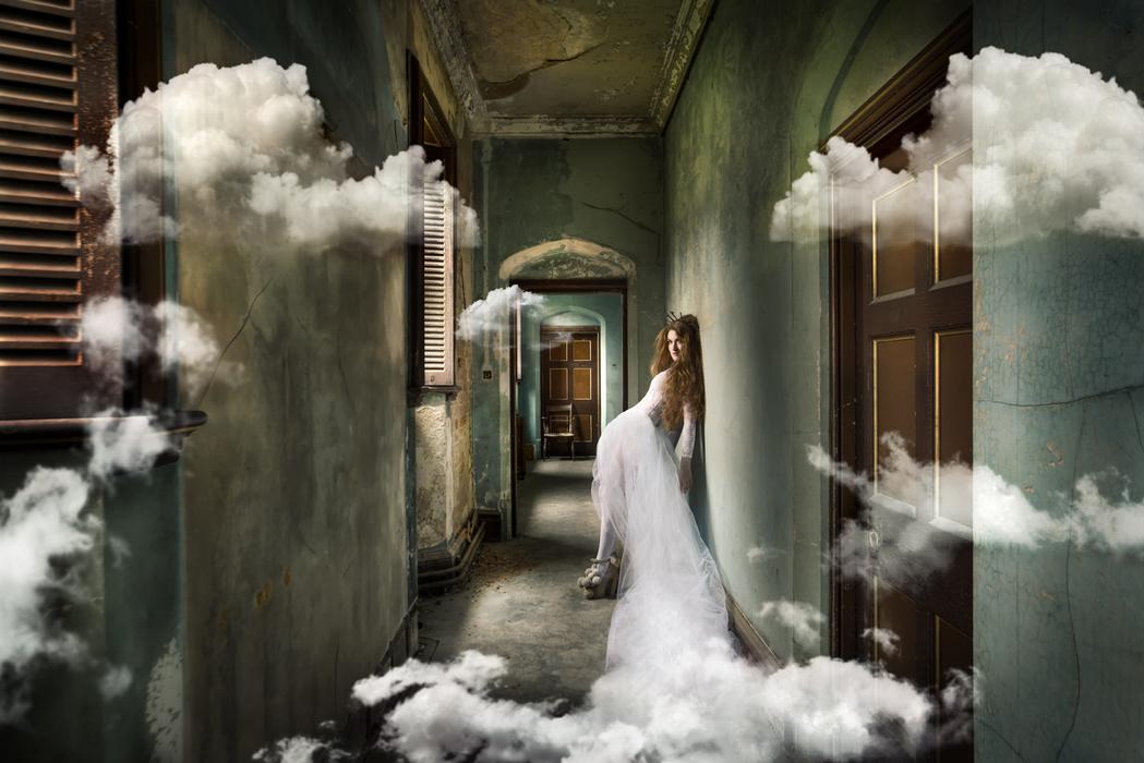 Rebecca 与她的奇幻废墟之旅