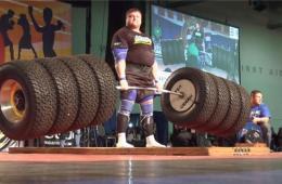 立陶宛壮男拉起524公斤杠铃 刷新世界纪录