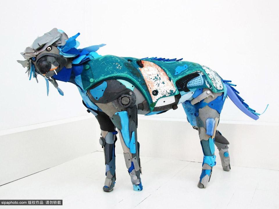 法国艺术家用海洋垃圾制作动物雕塑(17/20)
