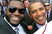 奥巴马接见棒球队与球员大玩自拍