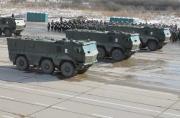俄军阅兵彩排亮相新款战车