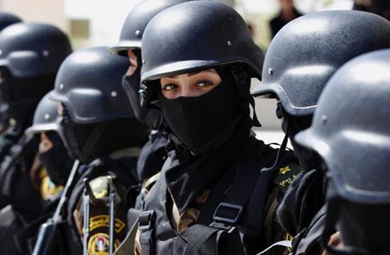 巴勒斯坦总统卫队首次出现女兵