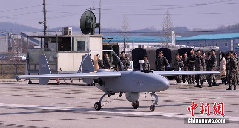 韩国无人机部队进行飞行训练