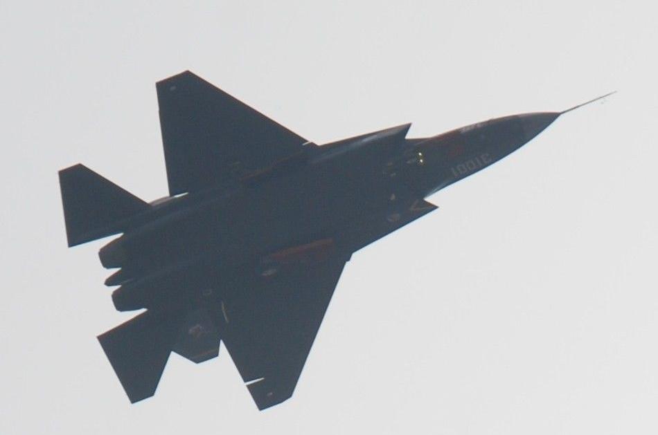 歼-31时隔一个月再次露面试飞